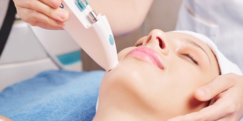 IV Vitamin therapy for whitening skin
